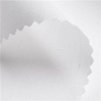 Bio-Popeline weiß, 140 cm Reststück mit schwarzem Fädchen bei 20 cm, mittig