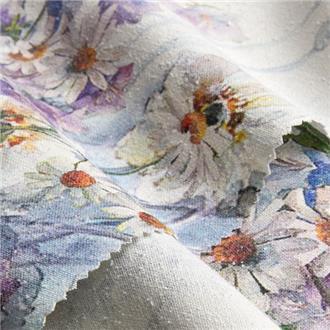 Margeriten und Glockenblumen blau