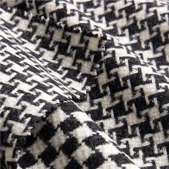 Schach mit Hahnentritt schwarz weiß